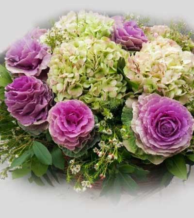Hortensias y brassicas cesta