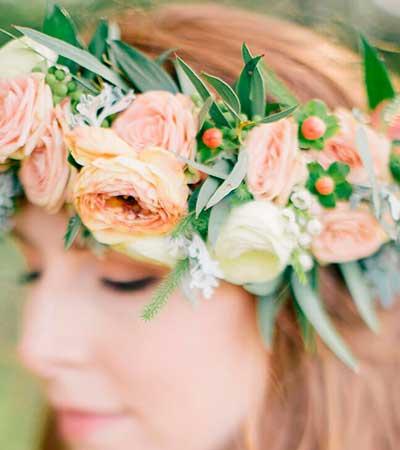 Diadema de flores novia